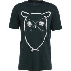 T-shirty męskie z nadrukiem: Knowledge Cotton Apparel OWL Tshirt z nadrukiem green gables