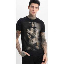 T-shirty męskie z nadrukiem: Religion BORN TO RAISE HELL TEE Tshirt z nadrukiem jet black