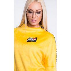 Bluza z pluszu z lampasami żółta 6562. Żółte bluzy damskie Fasardi, l. Za 44,00 zł.