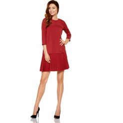 Wizytowa Bordowa Sukienka z Obniżonym Stanem Wykończona Plisowaniem. Czerwone sukienki koktajlowe marki Molly.pl, l, z jeansu, z dekoltem na plecach, z długim rękawem. Za 149,90 zł.
