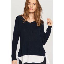 Swetry damskie: Sweter z wiązaniem z boku - Granatowy