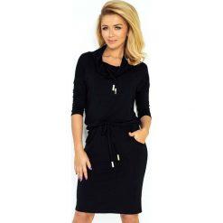 Czarna Sukienka Ołówkowa z Golfem Wiązana w Pasie. Czarne sukienki na komunię marki Molly.pl, na co dzień, l, z tkaniny, sportowe, z golfem, z długim rękawem, ołówkowe. Za 119,90 zł.