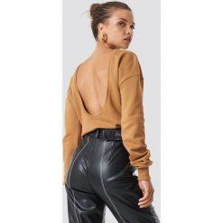 NA-KD Basic Sweter z głębokim dekoltem z tyłu - Beige. Różowe swetry klasyczne damskie marki NA-KD Basic, z bawełny. Za 80,95 zł.