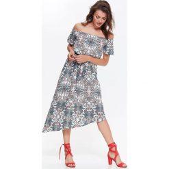 Sukienki: SUKIENKA W MOODNY WZÓR, Z ODKRYTYMI RAMIONAMI, ASYMETRYCZNA, Z WIĄZANIEM W PASIE