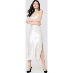 Sukienki hiszpanki: Bardot Sukienka na ramiączkach Pferffer – Beige,Offwhite