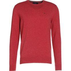 Hackett London Sweter english rose. Czerwone swetry klasyczne męskie marki Hackett London, m, z materiału. W wyprzedaży za 471,20 zł.