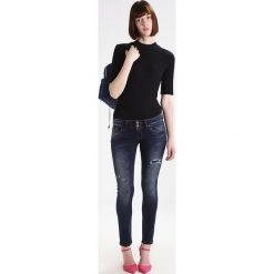LTB MOLLY Jeansy Slim Fit valor wash. Czarne jeansy damskie marki LTB. W wyprzedaży za 195,30 zł.