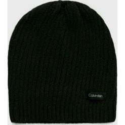 Calvin Klein - Czapka. Czarne czapki zimowe damskie marki Calvin Klein, na zimę, z bawełny. Za 139,90 zł.