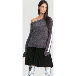 Szary Sweter Like You. Szare swetry klasyczne damskie other, na jesień, uniwersalny. Za 69,99 zł.