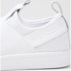 Adidas Originals SUPERSTAR SLIP ON Półbuty wsuwane footwear white/core black. Szare półbuty damskie wsuwane marki adidas Originals, z gumy. W wyprzedaży za 265,30 zł.
