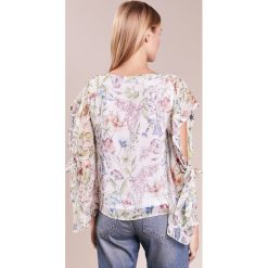 IBlues COSMO Bluzka white. Białe bluzki damskie iBlues, z jedwabiu. W wyprzedaży za 459,50 zł.