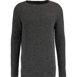 Swetry klasyczne męskie: Scotch & Soda CREWNECK Sweter graphite melange