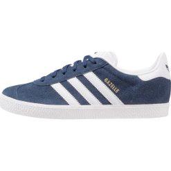 Adidas Originals GAZELLE  Tenisówki i Trampki collegiate navy/footwear white. Białe tenisówki męskie marki adidas Originals, z materiału. W wyprzedaży za 215,20 zł.