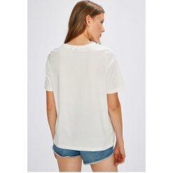 Vero Moda - Top Vacation. Szare topy damskie marki Vero Moda, l, z nadrukiem, z bawełny, z okrągłym kołnierzem. W wyprzedaży za 39,90 zł.