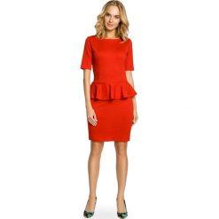 Sukienki: Elegancka ołówkowa sukienka z ozdobną baskinką – czerwona