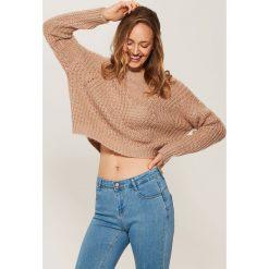 Krótki sweter o luźnym splocie - Różowy - 2