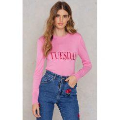 NA-KD Sweter z dzianiny Weekday - Pink. Różowe swetry oversize damskie marki NA-KD, z dzianiny. W wyprzedaży za 60,89 zł.
