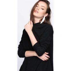 Swetry klasyczne damskie: Czarny Sweter I Can Fly