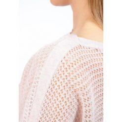 Swetry klasyczne damskie: AllSaints ELLE LEVITA Sweter champagne pink