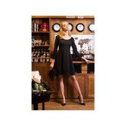 Sukienka New Little Black. Czarne sukienki balowe marki Fevey, na imprezę, xl, z dzianiny, z klasycznym kołnierzykiem, rozkloszowane. Za 322,00 zł.