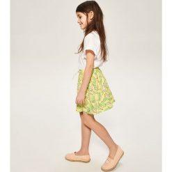 Spódnica z nadrukiem - Żółty. Żółte spódniczki dziewczęce Reserved, z nadrukiem. W wyprzedaży za 19,99 zł.