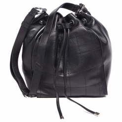 Skórzana torebka w kolorze czarnym - (S)26 x (W)32 x (G)17 cm. Czarne torebki klasyczne damskie Tosca Blu, z aplikacjami, z materiału. W wyprzedaży za 389,95 zł.