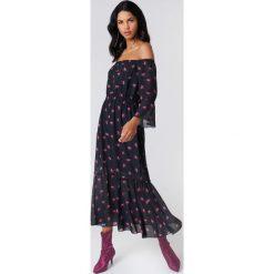 NA-KD Boho Sukienka z odkrytymi ramionami - Black. Niebieskie sukienki boho marki NA-KD Boho, na imprezę, w koronkowe wzory, z koronki, na ramiączkach, mini. W wyprzedaży za 113,58 zł.