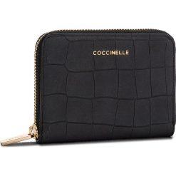 Duży Portfel Damski COCCINELLE - CW7 Metallic Mat Croco E2 CW7 11 02 01 Noir 001. Czarne portfele damskie Coccinelle, z nubiku. Za 499,90 zł.