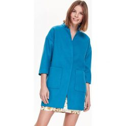 PŁASZCZ DAMSKI, NA PODSZEWCE, ZE STÓJKĄ, GŁADKI. Niebieskie płaszcze damskie pastelowe Top Secret, na jesień, eleganckie. Za 149,99 zł.