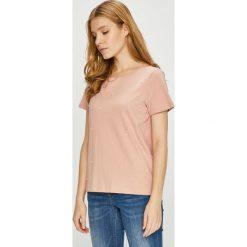 Vero Moda - Top. Różowe topy damskie Vero Moda, l, z aplikacjami, z bawełny, z okrągłym kołnierzem. W wyprzedaży za 69,90 zł.