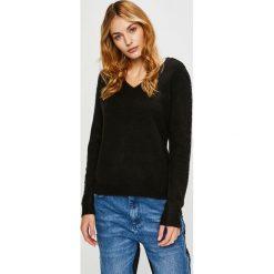 Vero Moda - Sweter. Czarne swetry klasyczne damskie marki Vero Moda, l, z dzianiny. Za 169,90 zł.