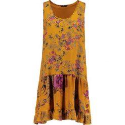 Sisley DROP WAIST FLORAL PRINT DRESS Sukienka letnia mustard. Żółte sukienki letnie Sisley, z materiału. Za 399,00 zł.