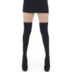 Pamela Mann Over The Knee Socks With Gold Studs Zakolanówki czarny. Czarne skarpetki damskie Pamela Mann, w jednolite wzory. Za 42,90 zł.