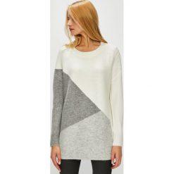 Medicine - Sweter Hand Made. Szare swetry klasyczne damskie marki MEDICINE, l, z dzianiny, z okrągłym kołnierzem. Za 139,90 zł.