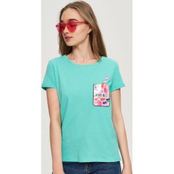 T-shirty damskie: T-shirt z kolorową aplikacją – Turkusowy