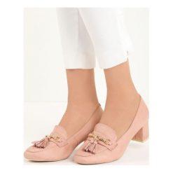 Różowe Czółenka Gorin. Czerwone buty ślubne damskie Born2be, w paski, ze skóry, z okrągłym noskiem, na niskim obcasie, na słupku. Za 69,99 zł.