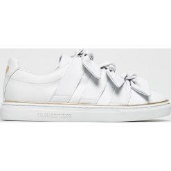 Trussardi Jeans - Buty. Szare buty sportowe damskie marki Trussardi Jeans, z jeansu. W wyprzedaży za 459,90 zł.