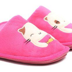 Fuksjowe Kapcie Sweet Kitten. Różowe kapcie dziewczęce marki Born2be, z materiału. Za 29,99 zł.
