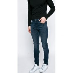 Pepe Jeans - Jeansy. Niebieskie jeansy męskie skinny Pepe Jeans. W wyprzedaży za 299,90 zł.