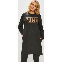 Puma - Sukienka. Czarne sukienki dzianinowe Puma, na co dzień, m, z nadrukiem, casualowe, z okrągłym kołnierzem, mini, proste. Za 249,90 zł.