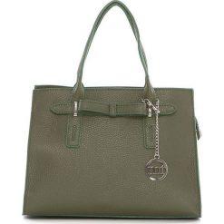 Torebki klasyczne damskie: Skórzana torebka w kolorze oliwkowym – 30 x 22 x 13 cm