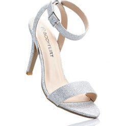 Sandały bonprix srebrny. Szare rzymianki damskie bonprix, w paski. Za 89,99 zł.