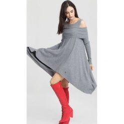 Swetry klasyczne damskie: Szary Sweter Just Feel Me