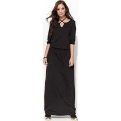 Czarna Długa Sukienka z Wiązaniem na Szyji. Czerwone długie sukienki marki Molly.pl, l, z jeansu, biznesowe, z dekoltem na plecach, z długim rękawem. Za 106,90 zł.