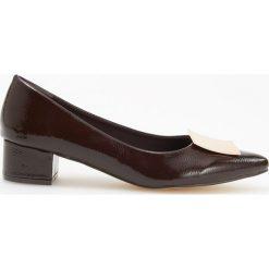 Czółenka na niskim obcasie - Bordowy. Czerwone buty ślubne damskie marki SEASTAR, na niskim obcasie. Za 119,99 zł.