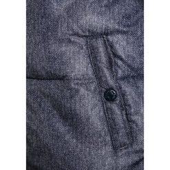 Name it NITMALAGA Kurtka zimowa dress blues. Niebieskie kurtki chłopięce zimowe Name it, z materiału. W wyprzedaży za 137,40 zł.