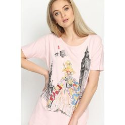T-shirty damskie: Różowy T-shirt Worldly
