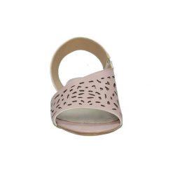 Sandały Casu  Różowe sandały ażurowe  1983/L. Czerwone sandały damskie marki Casu, w ażurowe wzory. Za 89,99 zł.