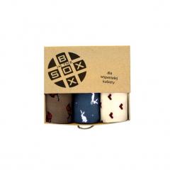 Box dla Wspaniałej Kobiety - Skarpetki. Brązowe skarpetki damskie Sox in the box, w kolorowe wzory, z bawełny. Za 80,00 zł.