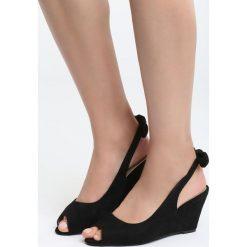 Czarne Zamszowe Koturny Find The Evidence. Czarne buty ślubne damskie Born2be, z materiału, z otwartym noskiem, na koturnie. Za 69,99 zł.